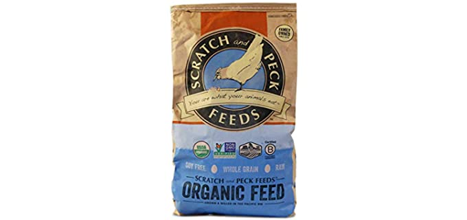 Scratch & Peck Protein - Corn Organic Chicken Feed